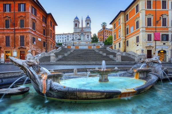 Piazza Spagna: the meeting point for my Jewish evening stroll